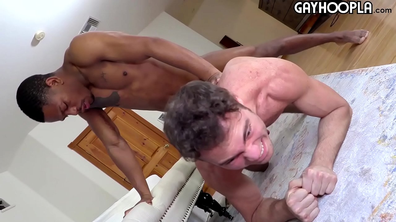 Latina Tranny Fucks Guy