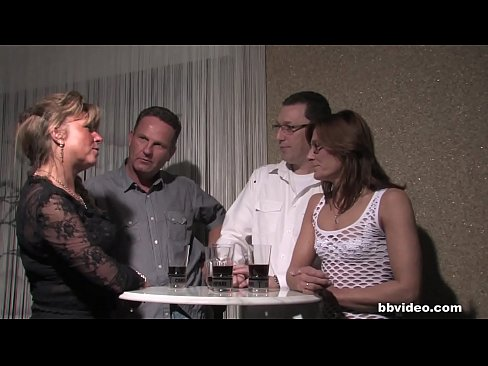 German milfs fucking in foursome