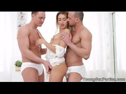 Young Sex Parties - All-white home Anna Thorne DP party