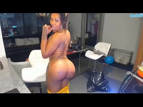 Ebony Shaking Ass 85