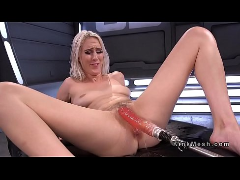 Trimmed pussy squirt