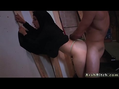 Girl bleeding from her pussy after masterbateing
