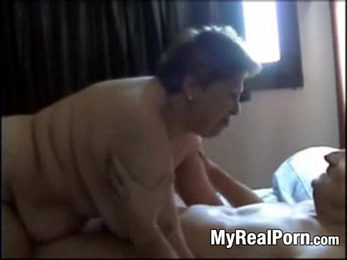 granny-sex-oral