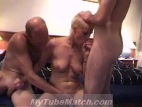 Homemade movie threesome