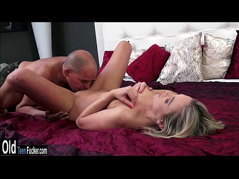 girl-seduces-guy-to-have-sex