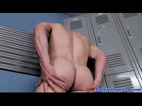 Athletic hunk shows round ass and wanks solo