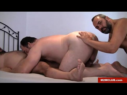 Muscle bear threesome and ejaculation