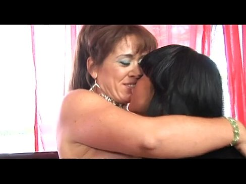 Two brunettes having sex — pic 1