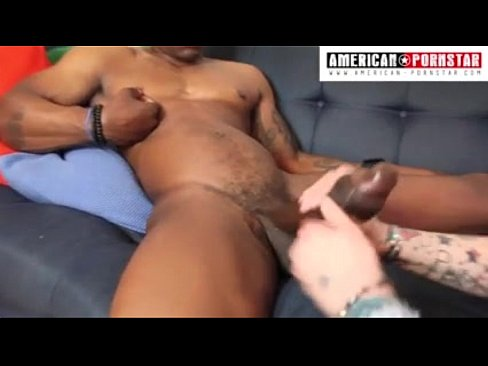 Naughty amateur stuffing his butt online