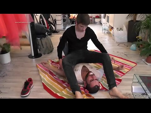 homo Sneaker porno Ilmainen video phorno