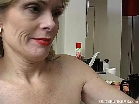 Mom makes daughter deepthroat brother