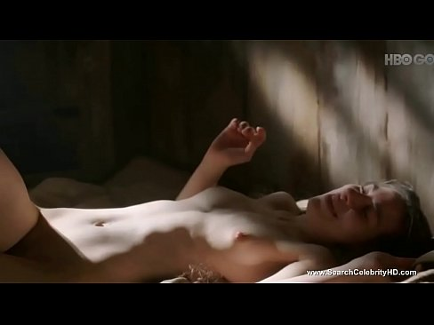 Amy Dawson naked in Game of Thrones S02E02