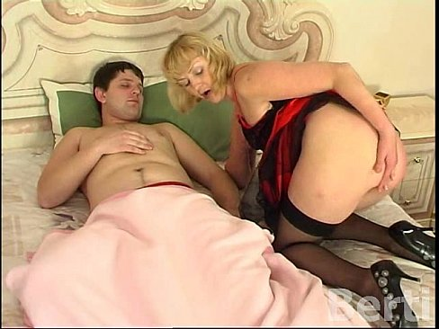 Mature anal in stockings