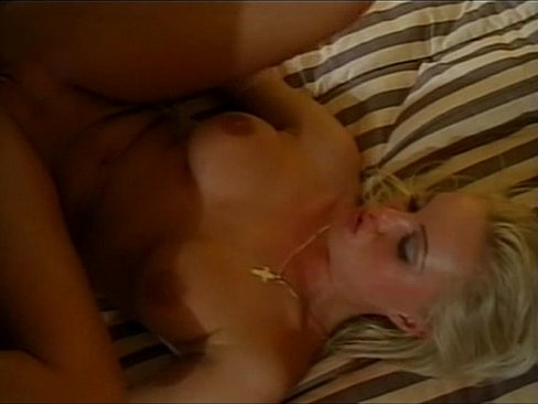 Playing with cumshot