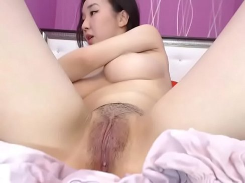 Clean Her Pussy After Creampie