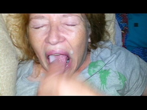 Foxy anne eats cock on knees and drinks pee 8