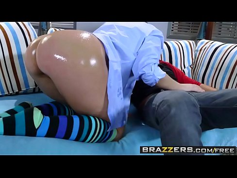 www.brazzers.xxx/gift - copie et regarder plein Remy LaCroix video