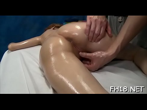 hot lesbains eating pussy