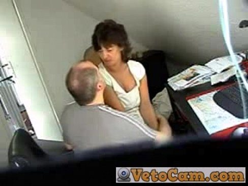 Amateur couple has quickie morning sex recorded pov on an ip Part 4