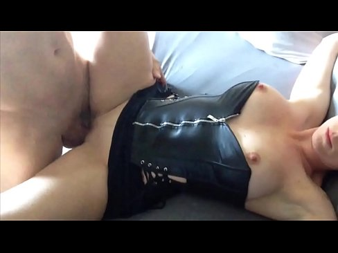 Big Tit Amature Housewife Takes Cumshot in the Ear!