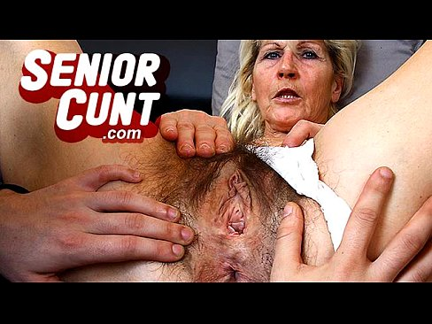 Granny fingers her pussy close up Hairy Old Pussy Close Ups And Fingering With Grandma Hanna Xnxx Com