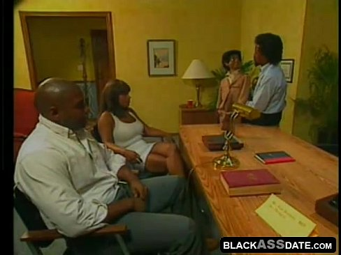 Horny filthy black wife wants to fuck in the clinic