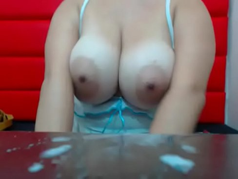 Slutty milf squeezed breast milk for free show