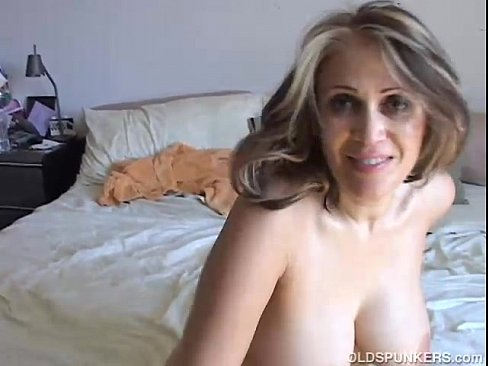 Strapon sex milf