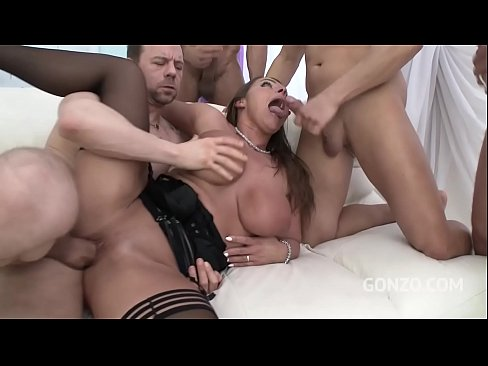 Big butt slut Sexy Susi gets her butthole destroyed during anal gangbang