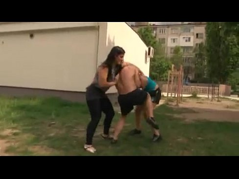Female bodybuilder mixed wrestling nude