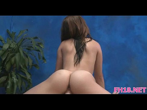 Lovely Ami Play With Sextoy In Webcam