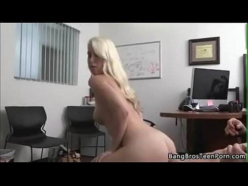 Sexy nude girls outside