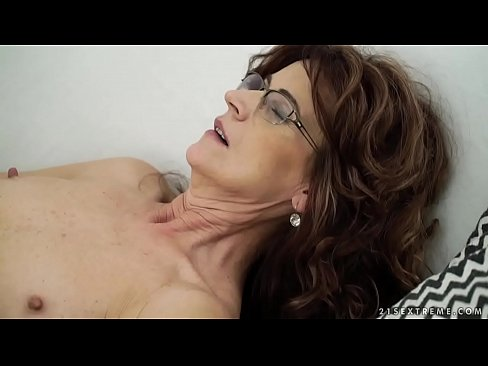 Clip free instructional sex video