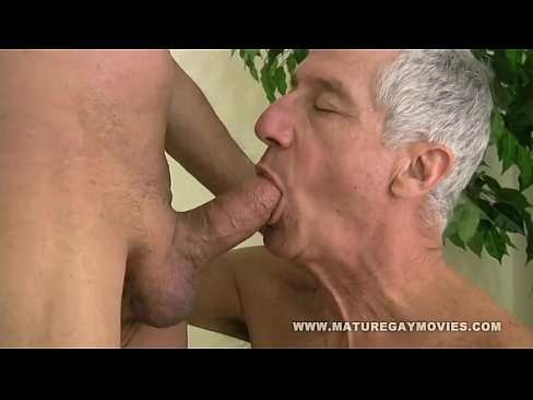 Mature daddy bareback