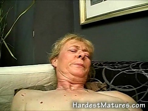 Shaved old granny pussy pix — photo 14