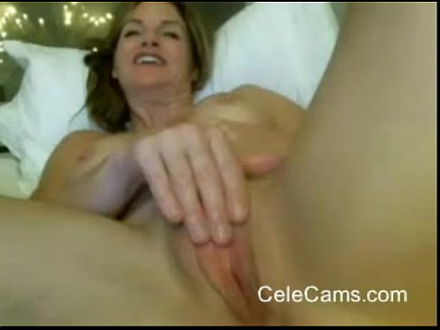 sexy milf masterbating and squirting public cam