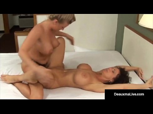 Girls in lesbo domination