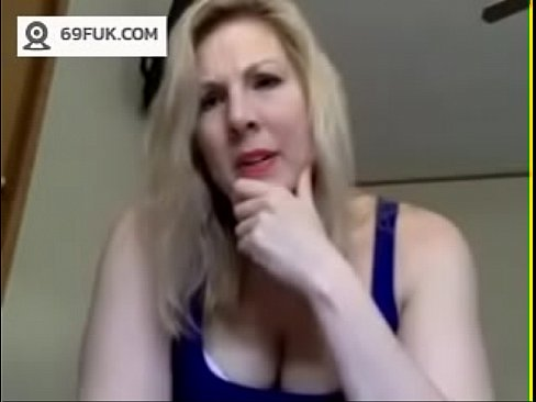 Latina Milf Masturbates Webcam