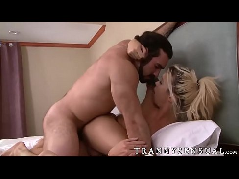 Blonde Shemale Fucking Trannie In Ass Pics