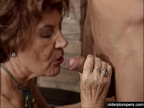 Amateur milf handjob cum on blouse
