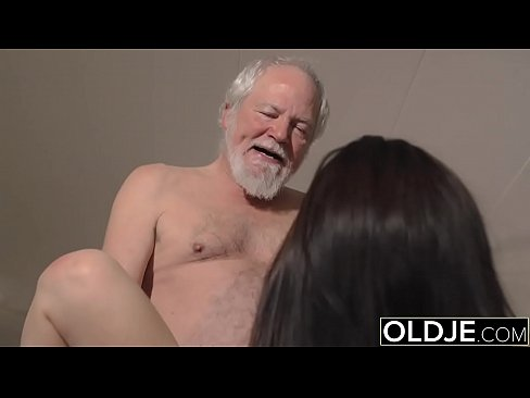 Teen interrupts grandpa from yoga and sucks his cock wet 4