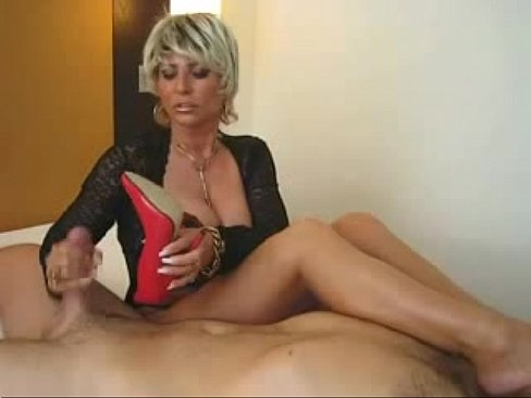 Milf wife gives handjob