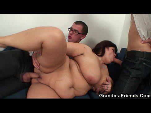 her old fat pussy is nailedtwo cocks - xnxx