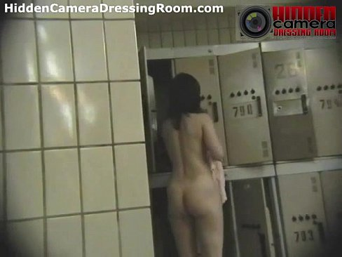 Nude girls in lockerroom video variant