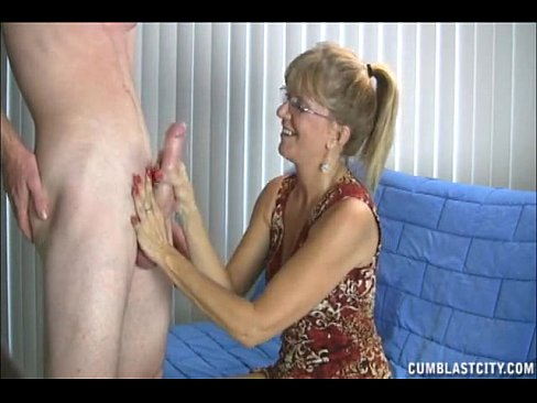 Grandma loves huge cock