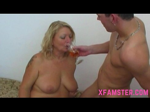 Beautiful chubby stepmom caring carefully for amateur stepson fat cock with puss