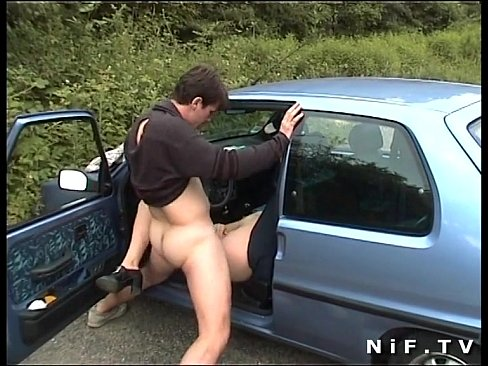 Outdoor mature car sex