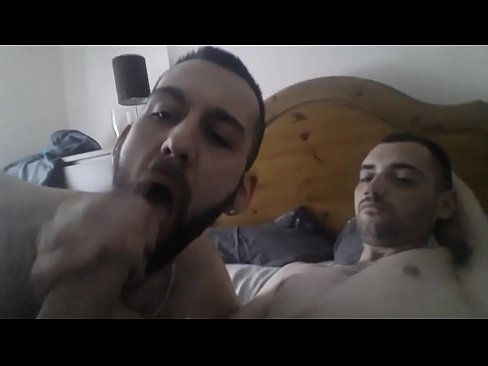 gay male tube mamando y tragando