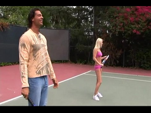 Woman court nude on tennis