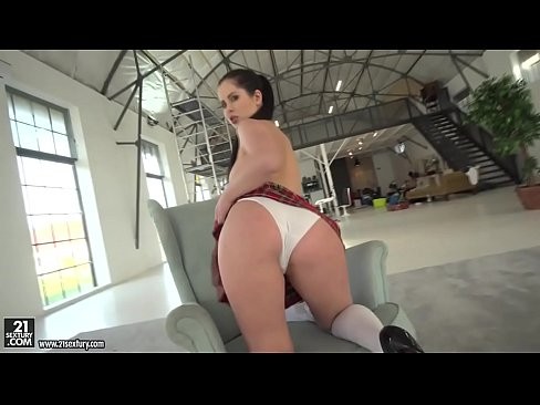 Cassie Right rides a big dick with her big ass